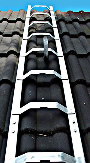 Dachleiter Kaminkehrerleiter Dachdeckerleiter Holz und Alu